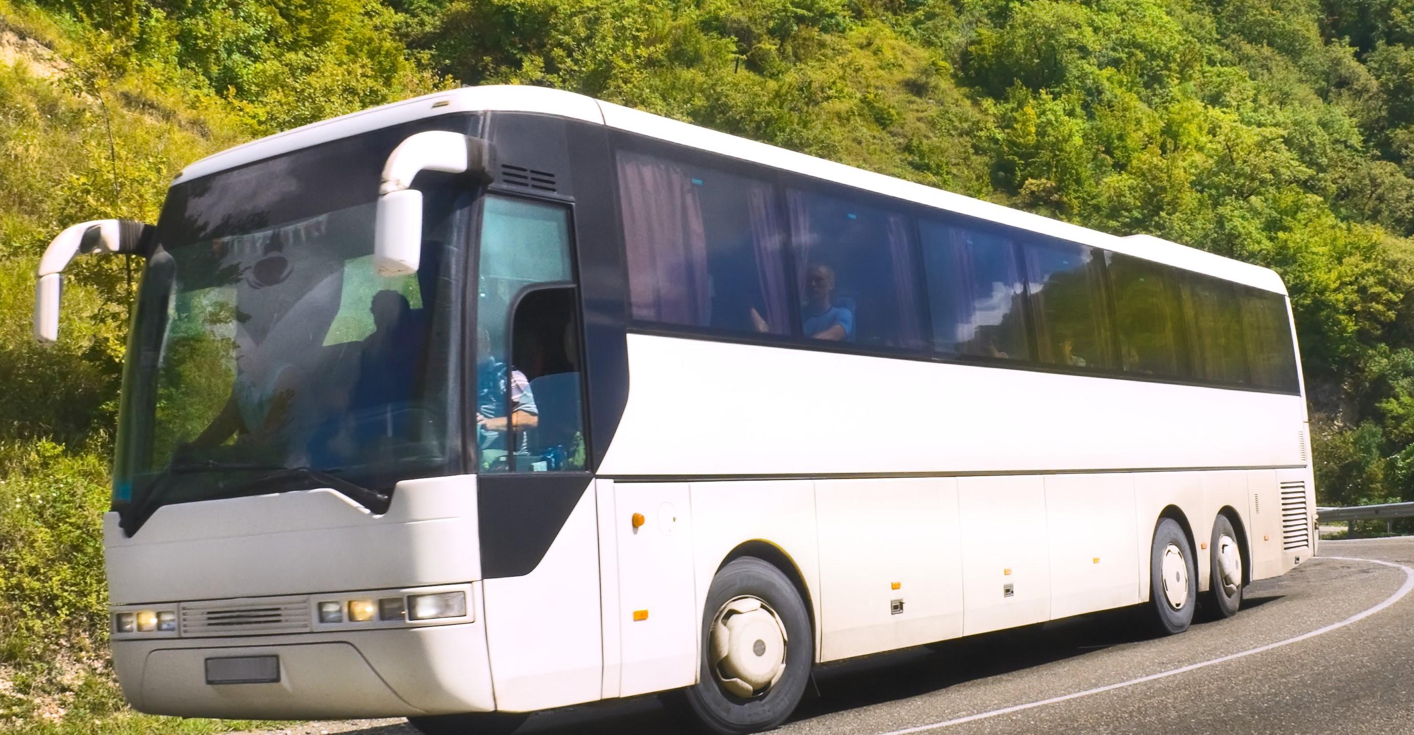 France : Sécurité routière – Port de la ceinture de sécurité dans les véhicules de transports en commun.